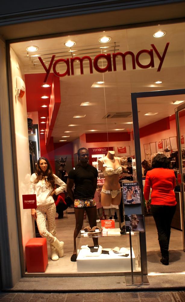 modelli-veri yamamay intimo vetrina