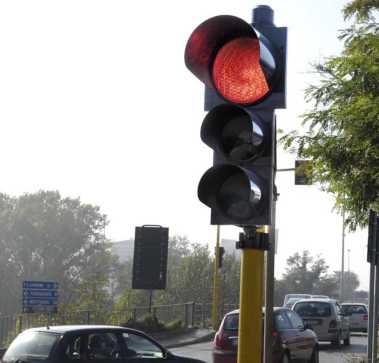 semaforo traffico rosso