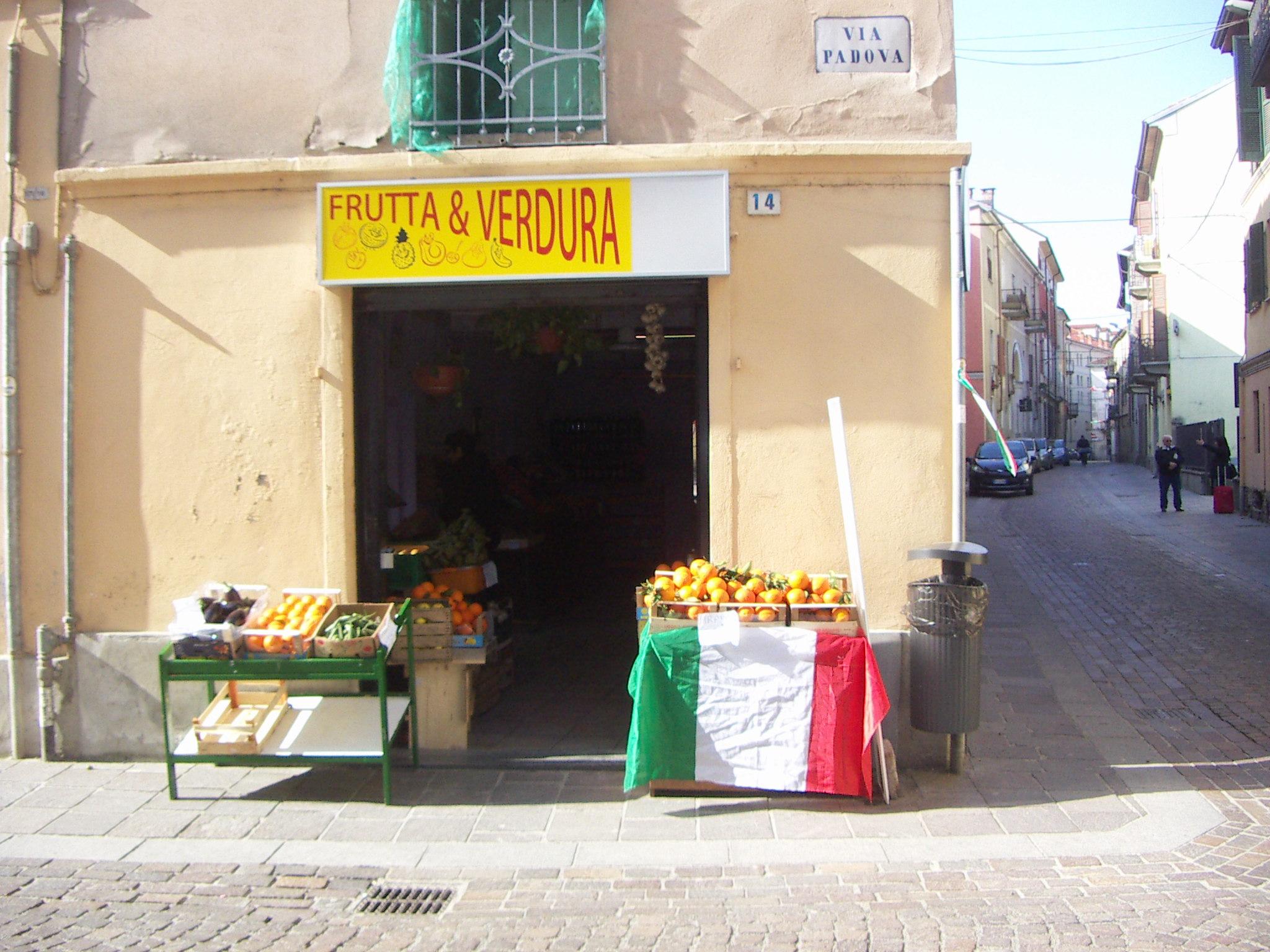 frutta verdura, via padova, tricolore
