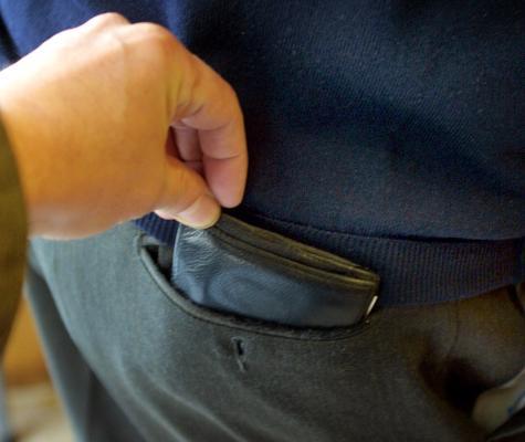 borseggio furto ladro portafoglio