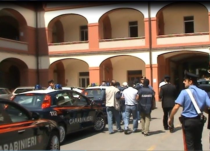 carabinieri arresto caserma scapaccino
