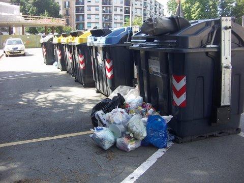Rifiuti-largo-Catania