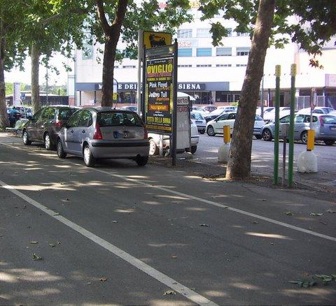 parcheggio pista ciclabile
