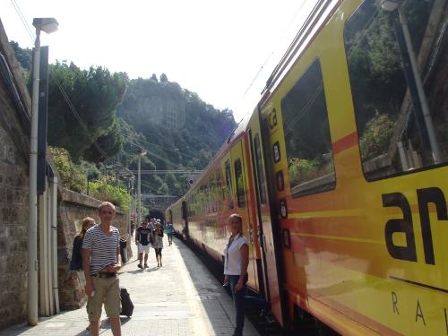 arenaways monterosso cinque terre mare stazione ferrovia