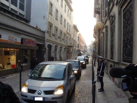 via cavour traffico automobili