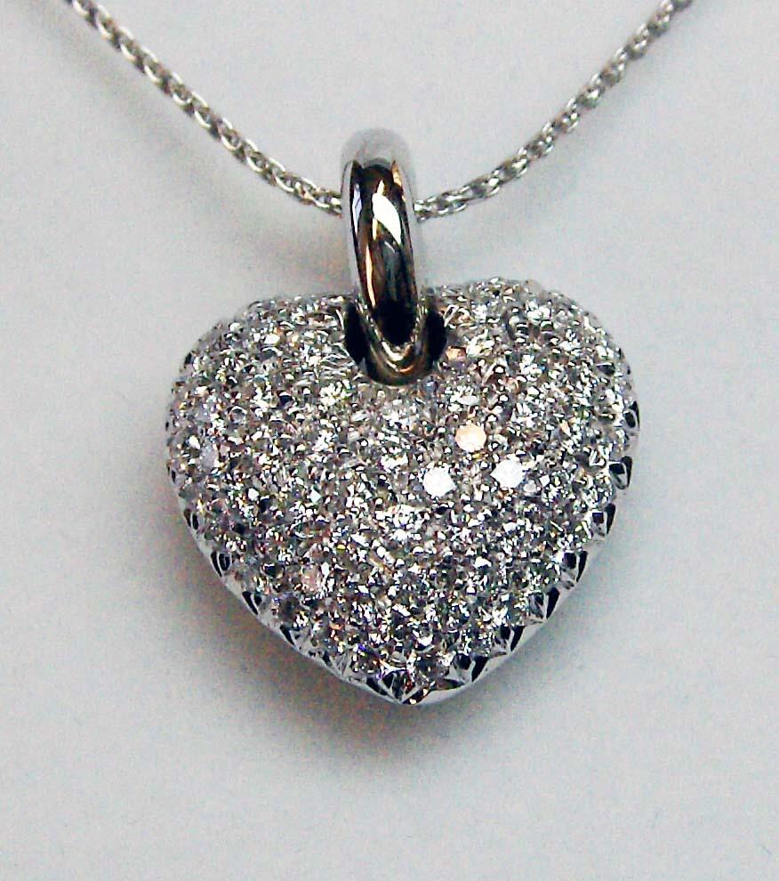 gioiello cuore oro monile ciondolo