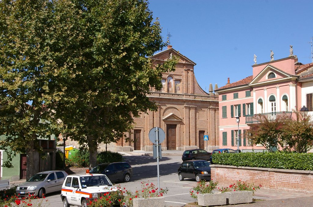 mirabello monferrato, piazza marconi