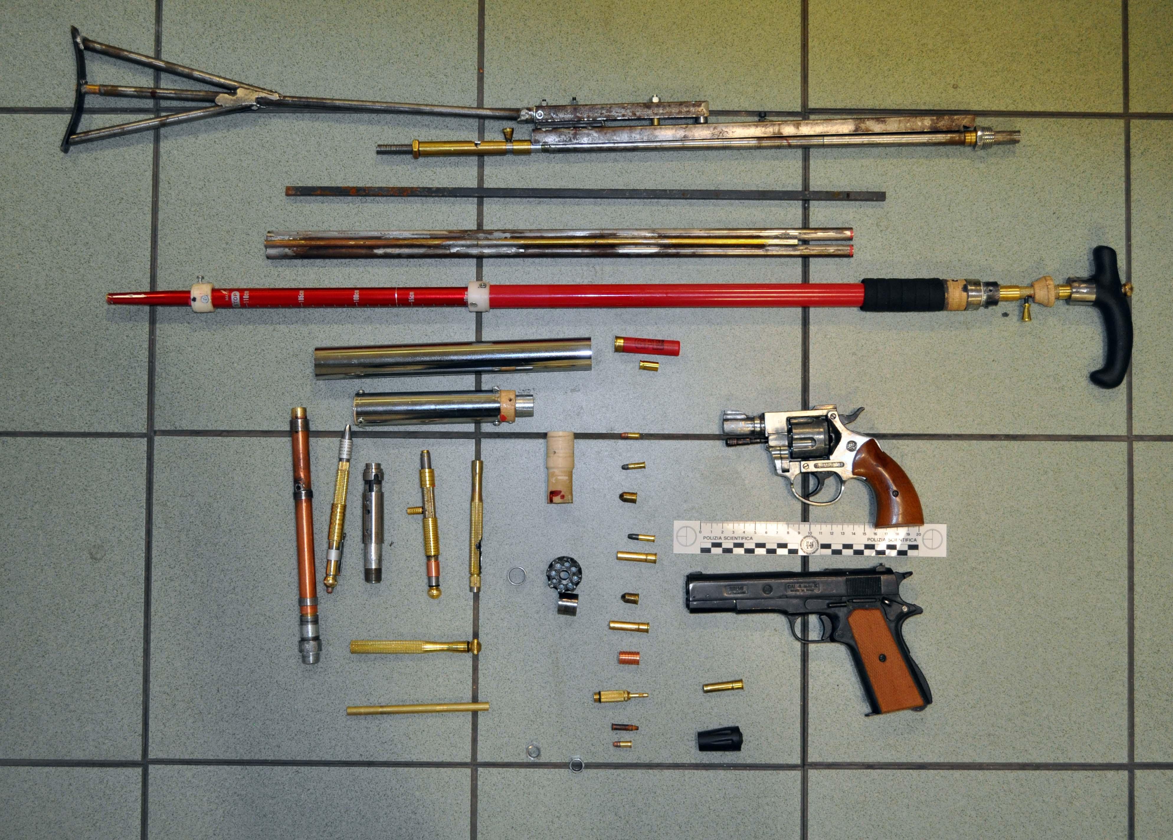 armi illegali munizioni pistola