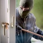 rapina in villa, ladro